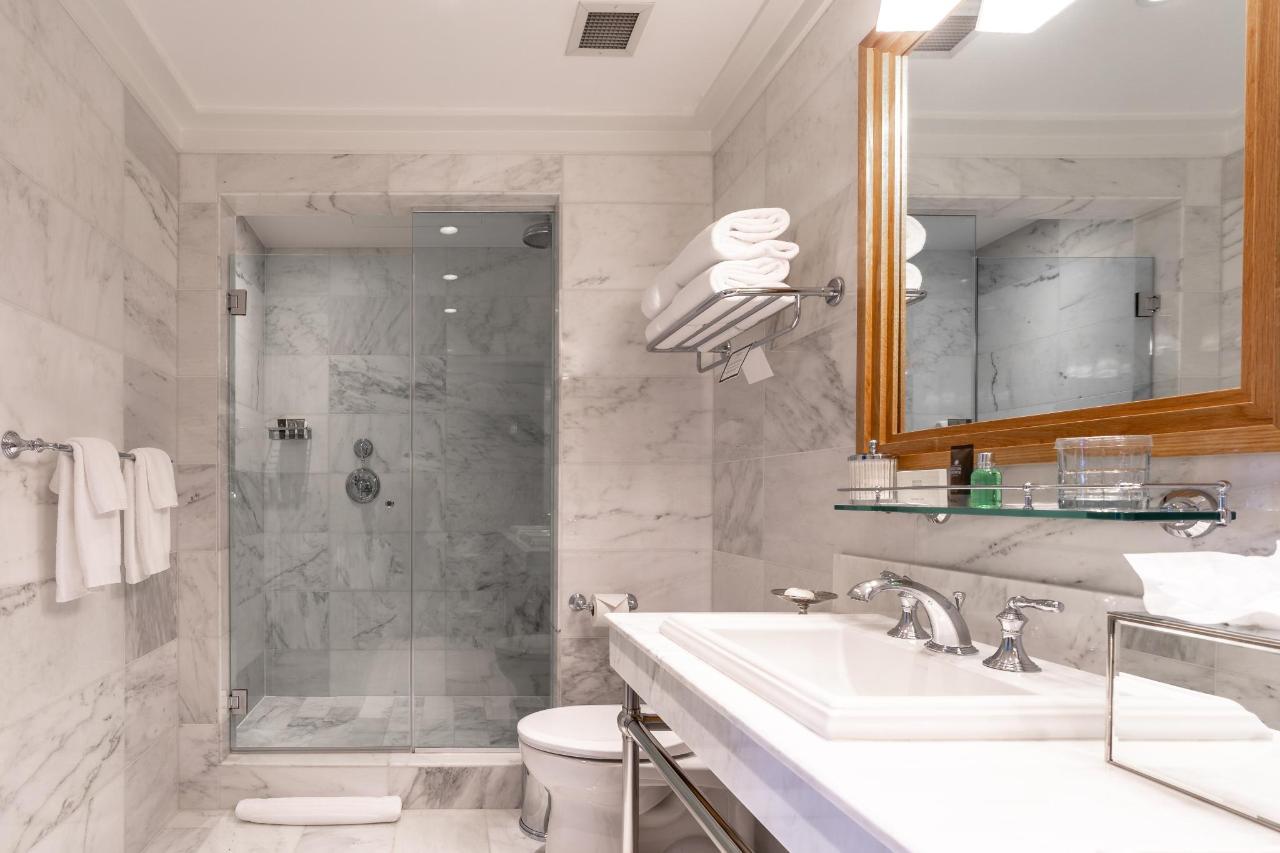 DSKG Bath.jpg