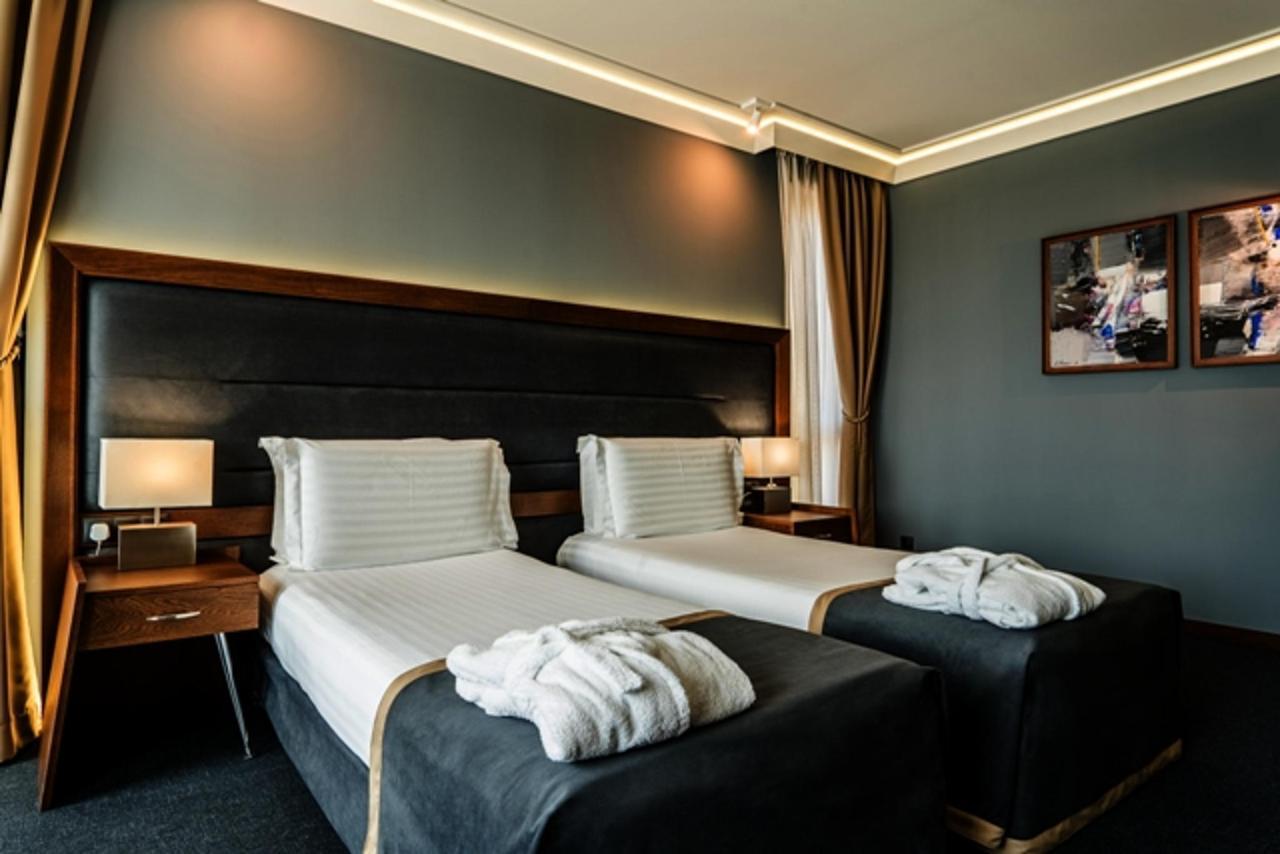 Corner_Deluxe_Family_Room_Budapest_Hotel_Sofia.jpg