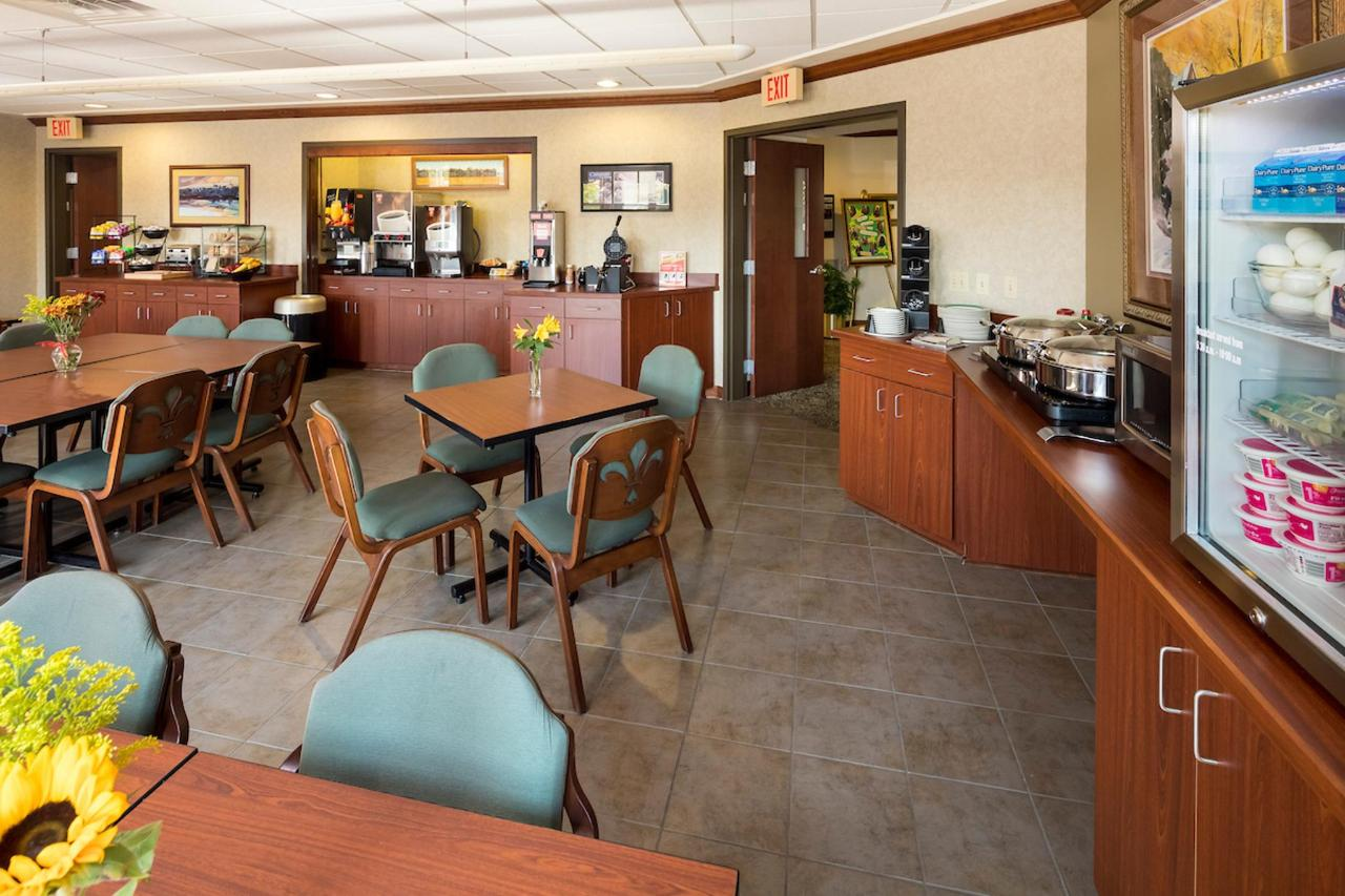 Kress Inn Breakfast & Conference Room.JPG