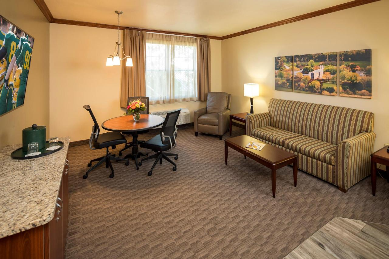 Kress Inn King Executive Suite sitting area.JPG