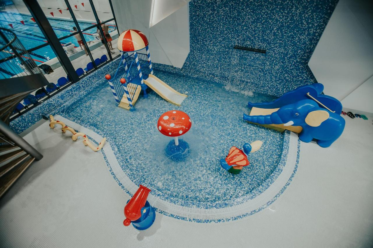 Valmieras peldbaseins swimming pool Valmiera (14).jpg