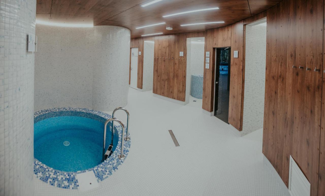 Valmieras peldbaseins swimming pool Valmiera (17).jpg