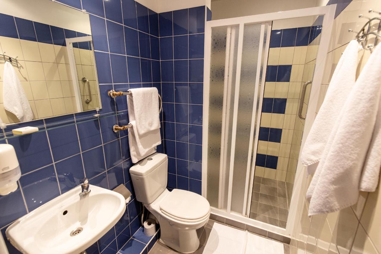 Hotel_Valmiera_Naktsmajas_Double_room 10.jpg