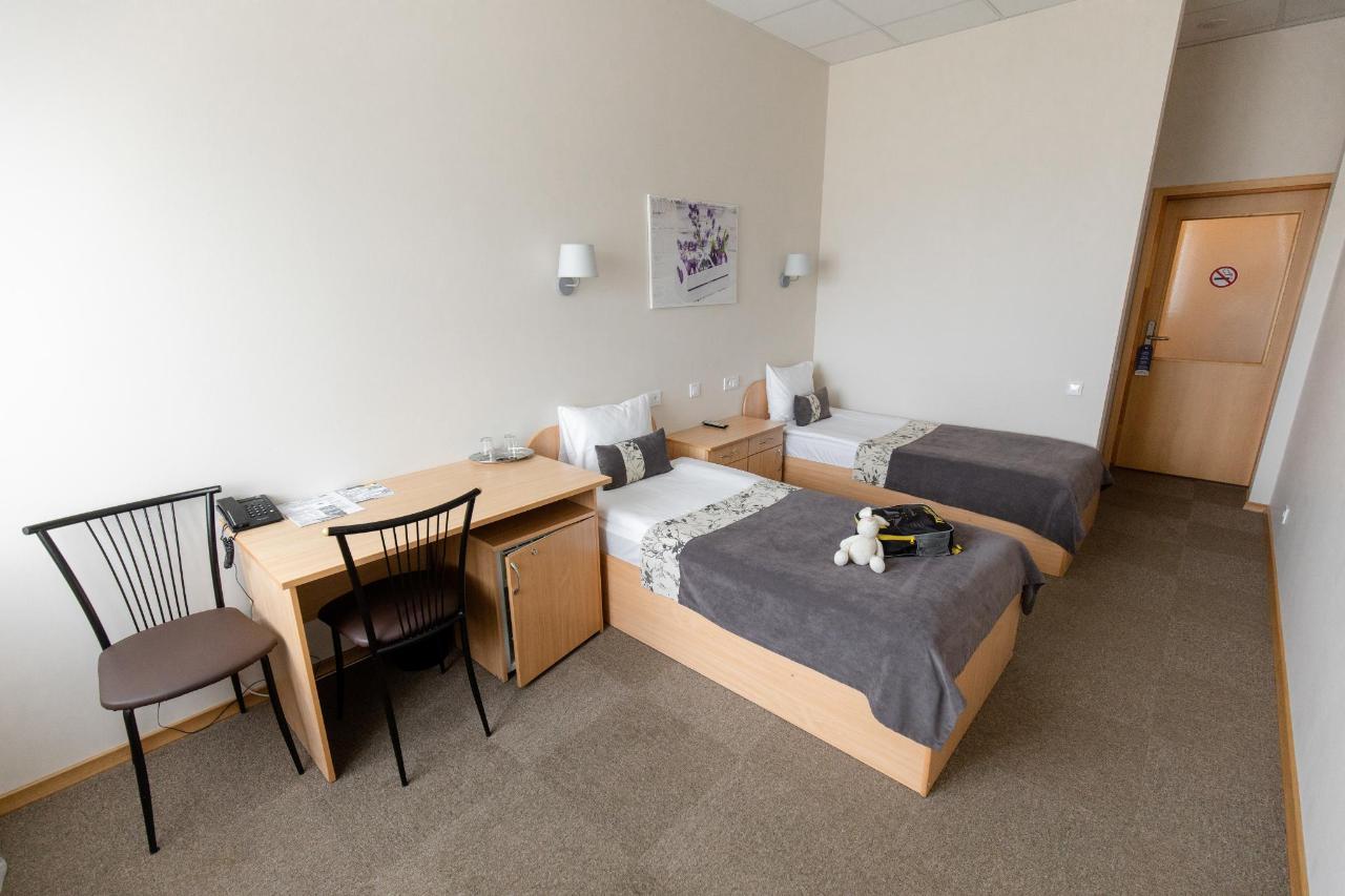 Hotel_Valmiera_Naktsmajas_family_room 2.jpg