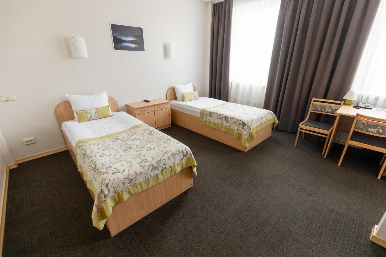 Hotel_Valmiera_Naktsmajas_TWIN_room 3.jpg