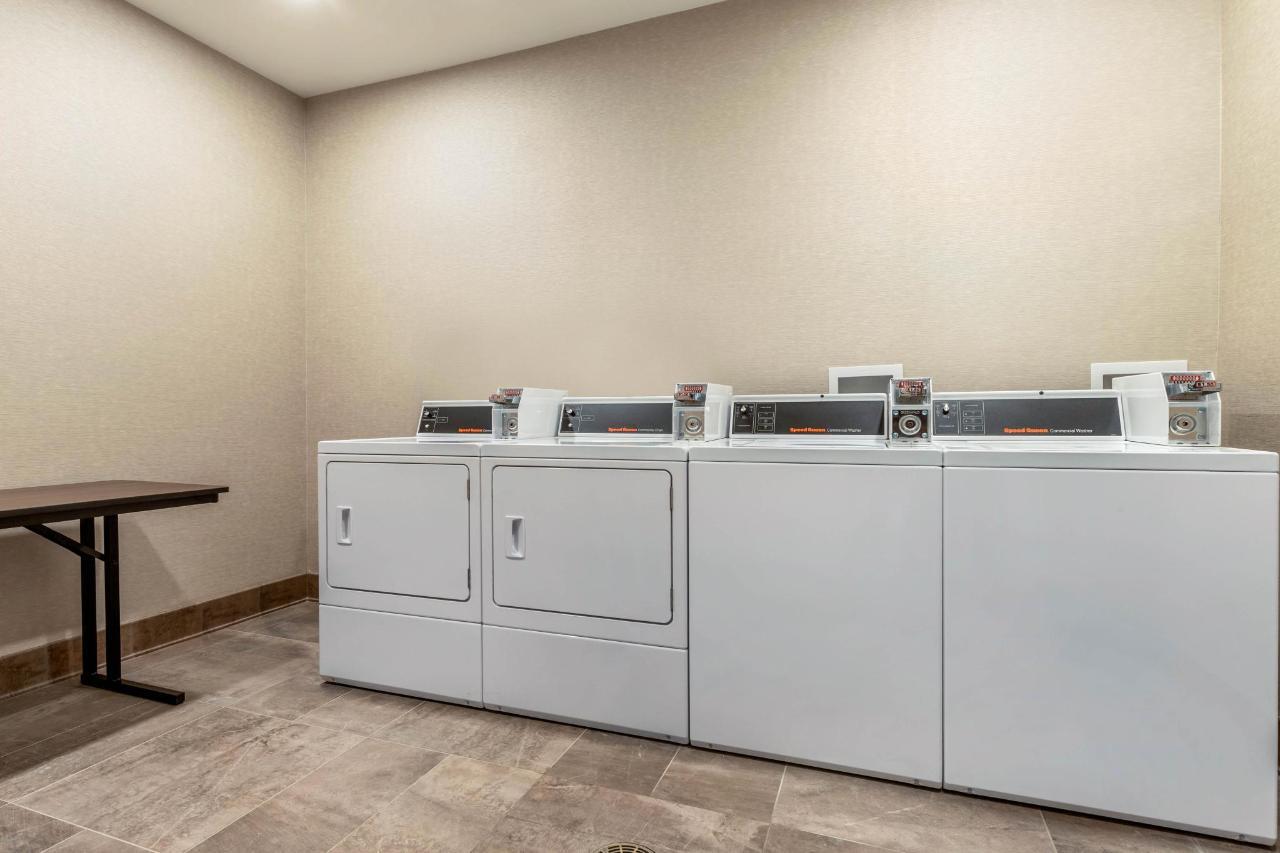 sc565laundry1.jpg
