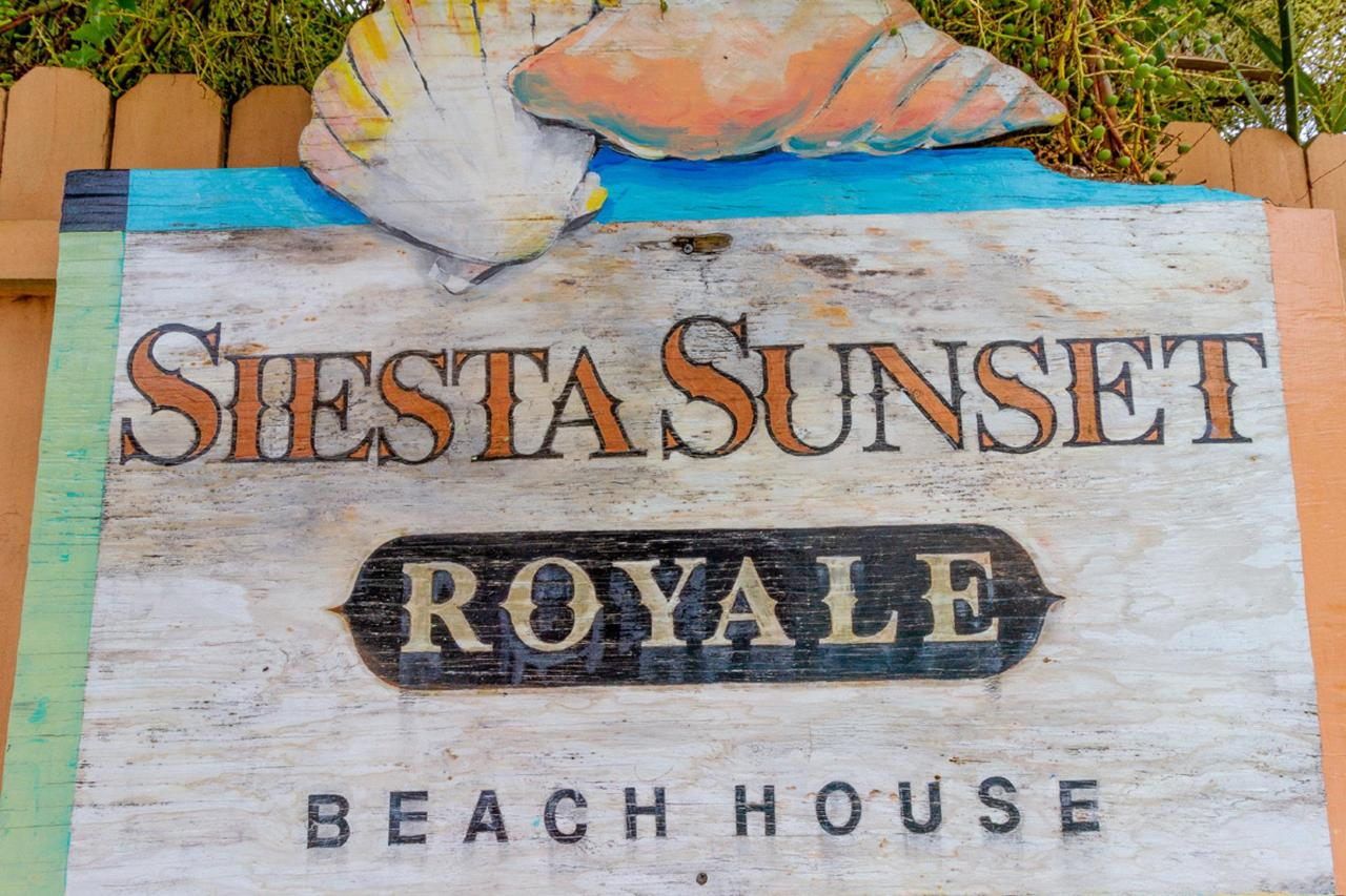 Siesta-Sunset-Royale-Main-2nd-floor-sign.jpg