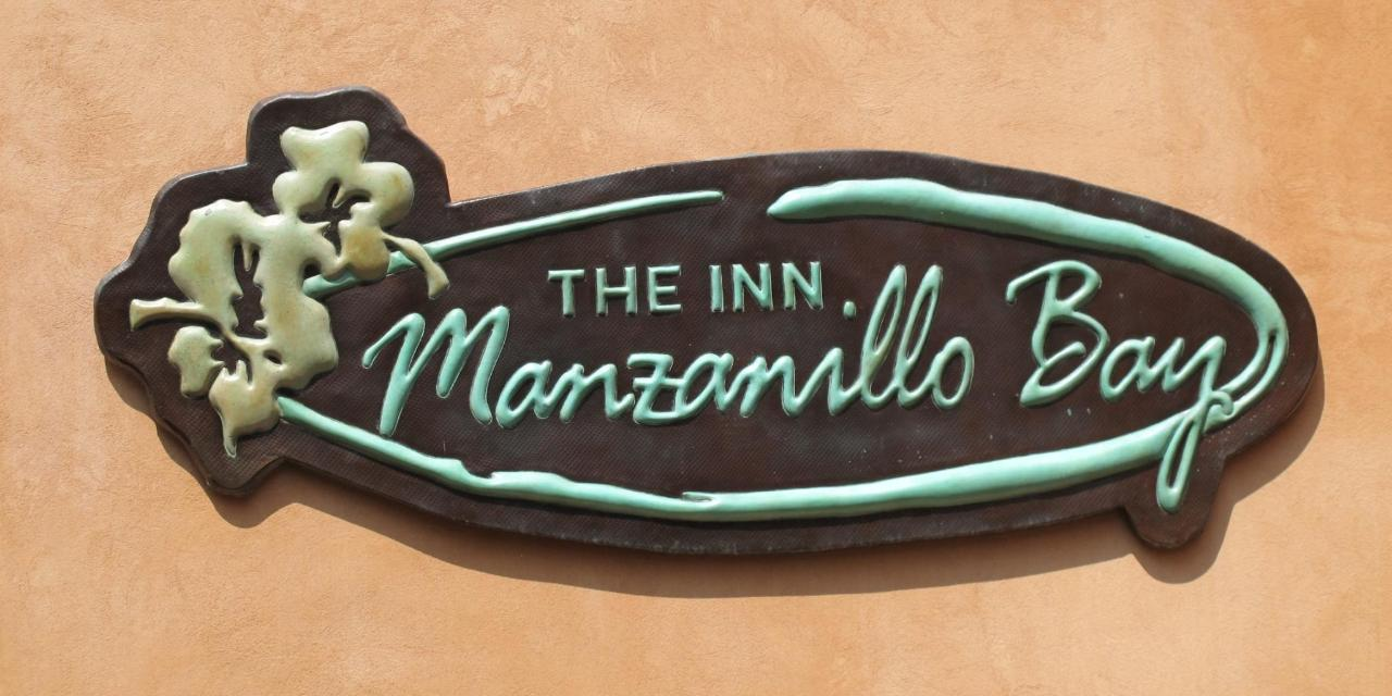 Manzanillo Bay Inn Sign.jpg