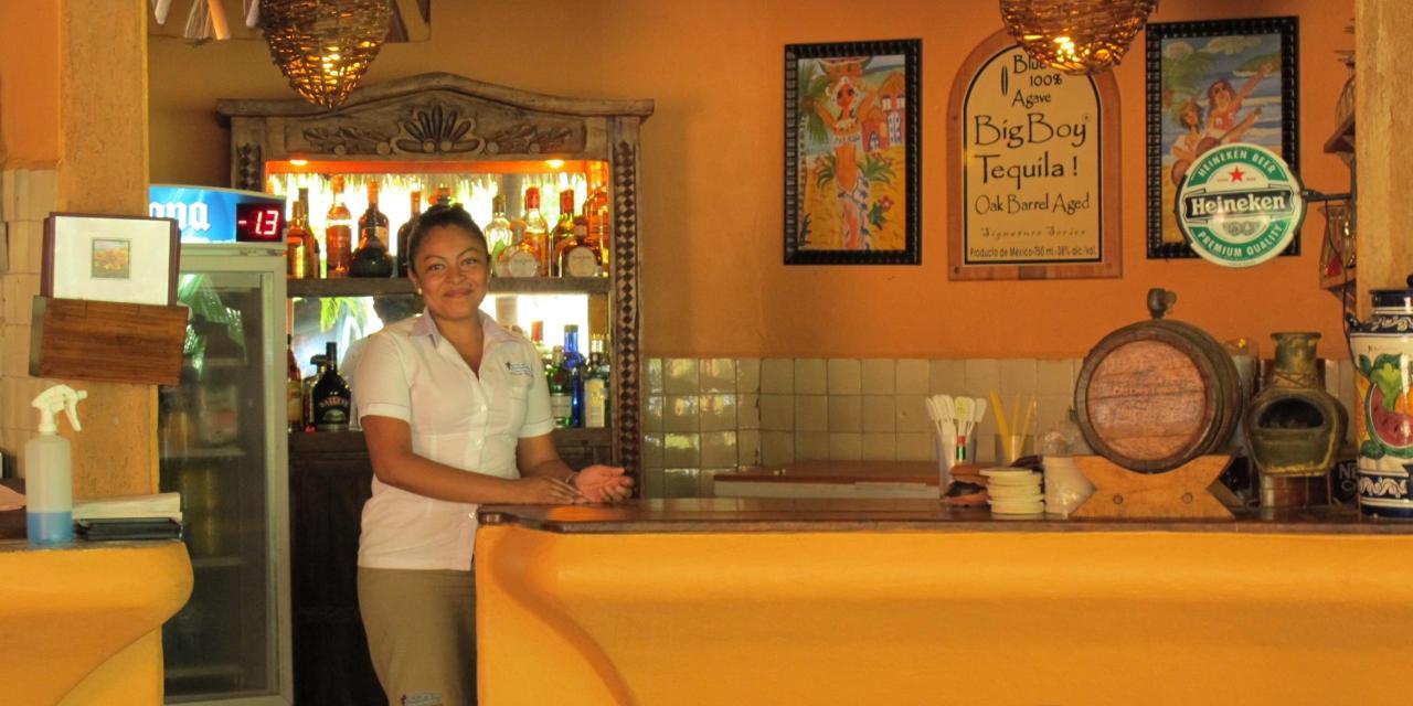 Bar at Manzanillo Bay Inn.jpg