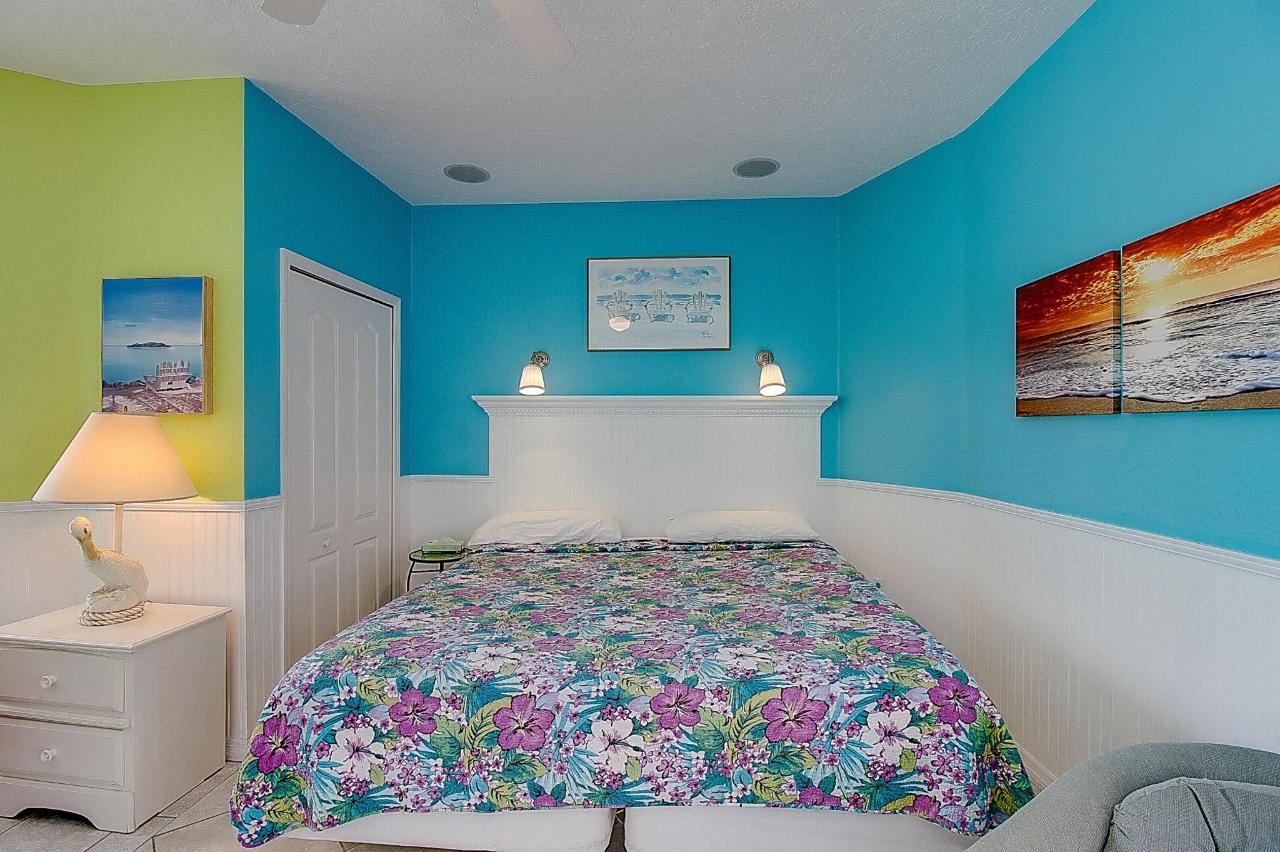SSR Studio #6 Bedroom area.jpg