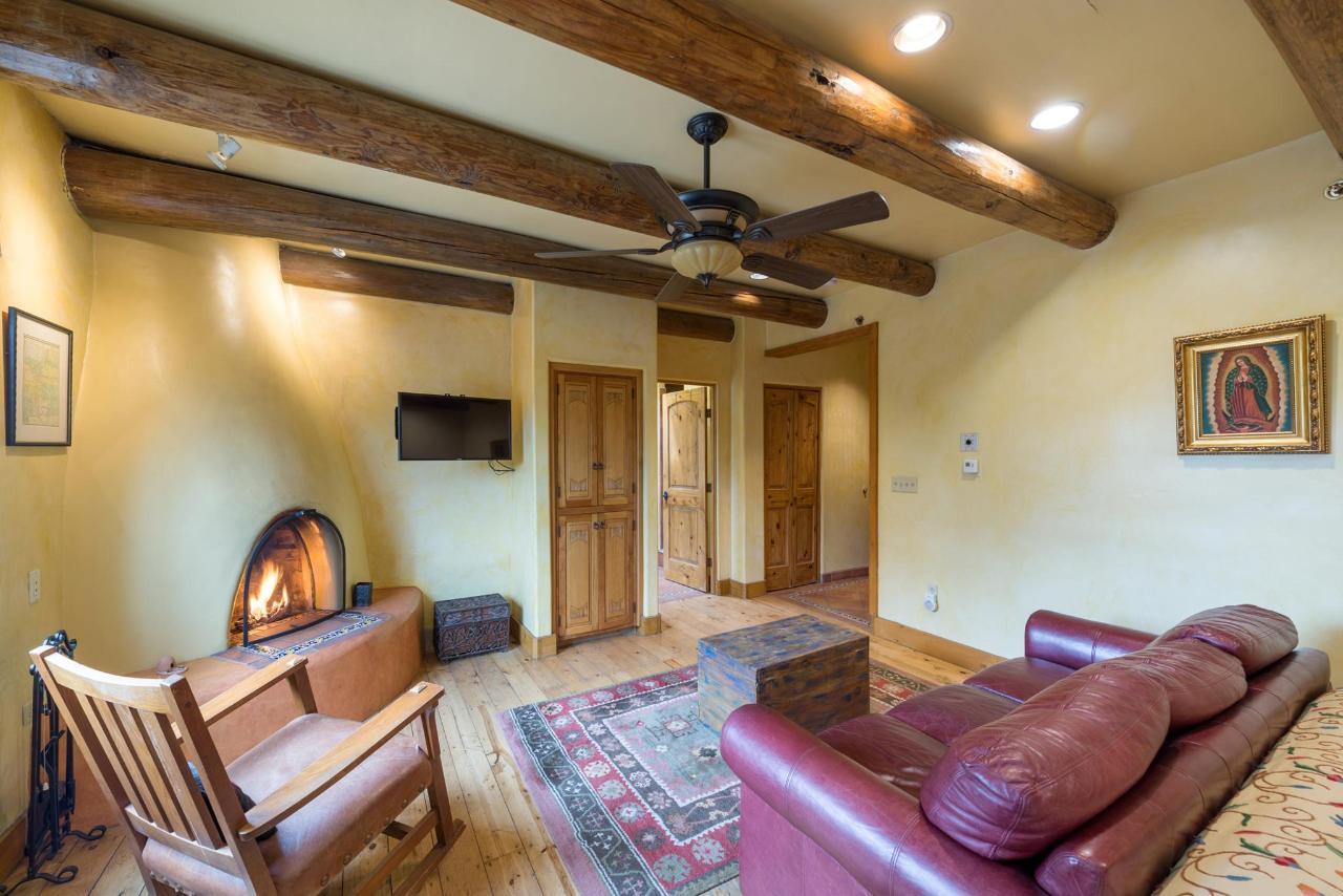 Spanish Colonial Junior Suite Sitting Area
