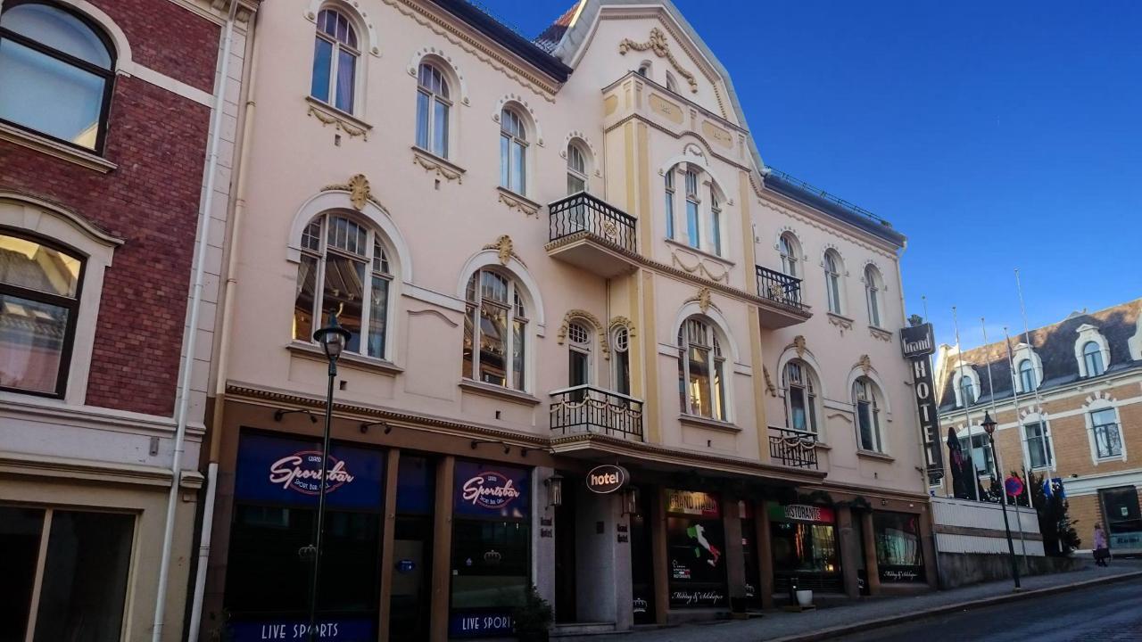 Grand Hotell Hønefoss - fasade