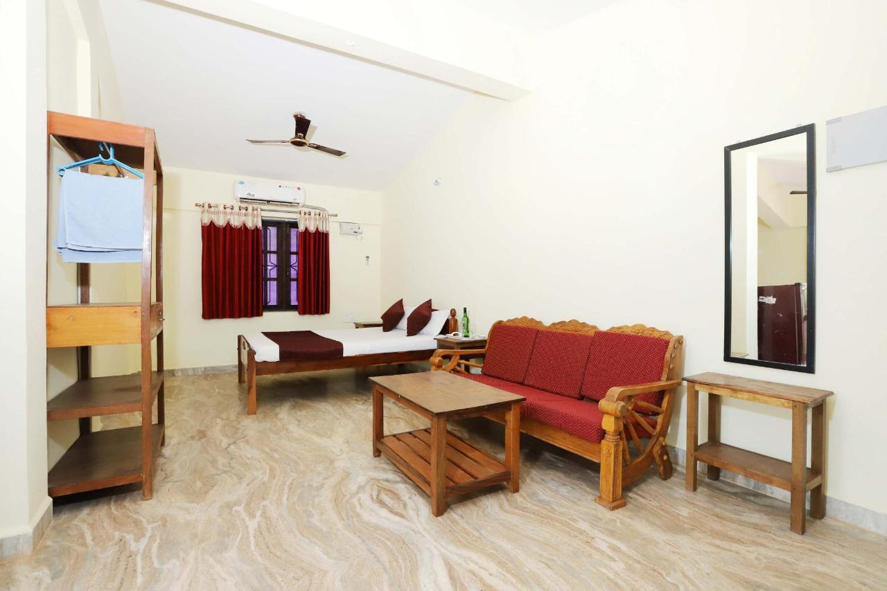 Deluxe room with kitchen at Morjim beach.JPG