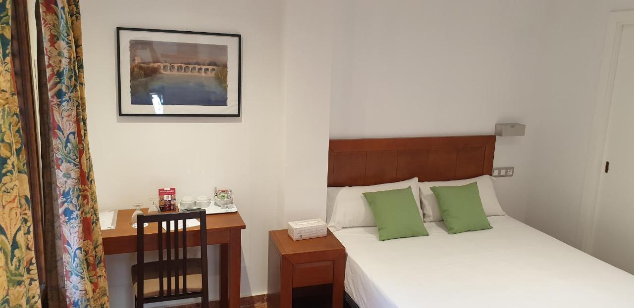 Apartamento 05 cama.jpg