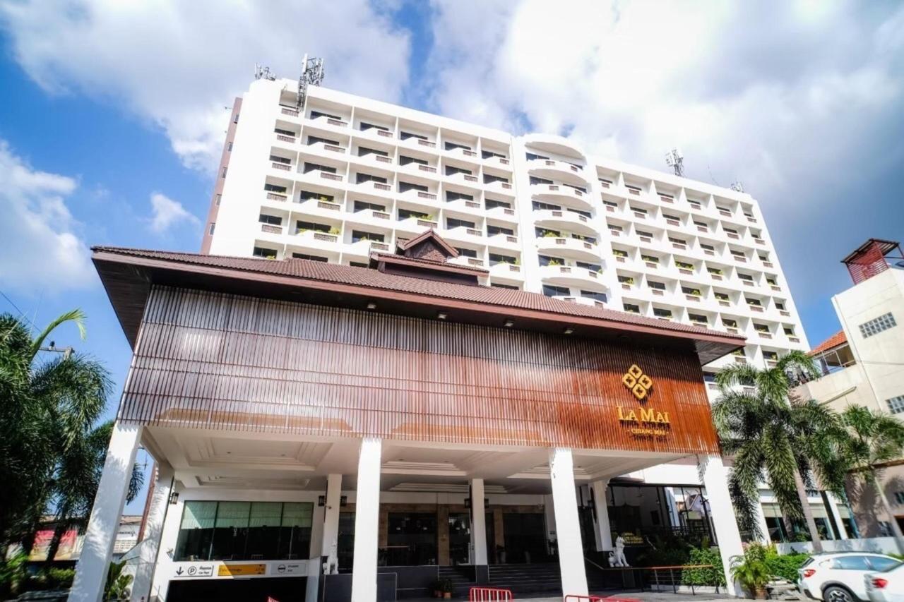 1 Hotel Entrance (2).jpg
